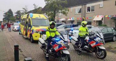Politie vervult laatste wens ernstig zieke Arno (15)