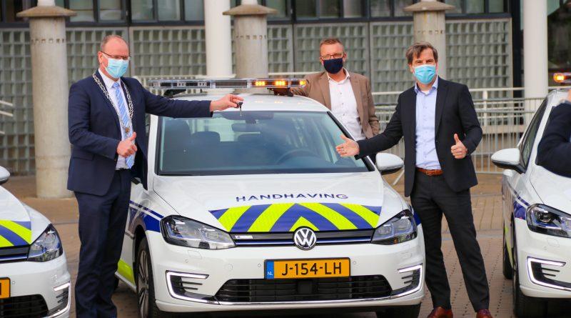 Nieuwe auto's voor Handhaving Apeldoorn