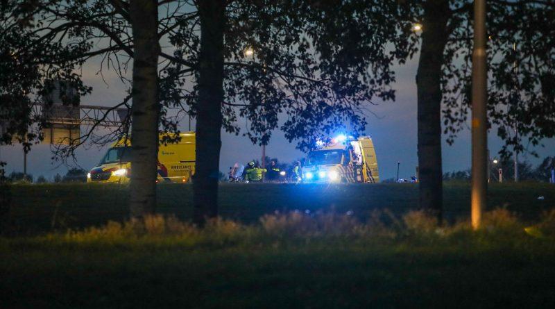 Scooterrijder onderuit op snelweg, politie arresteert bestuurder