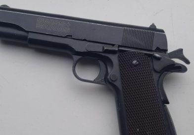 Apeldoorner (36) opgepakt in Arnhem met vuurwapen
