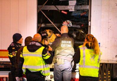 Grootschalige controle door politie en douane A1 Apeldoorn